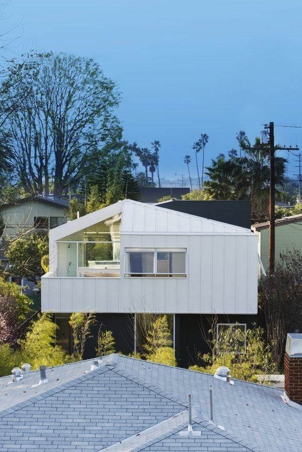 Floating Bungalow by Barbara Bestor Architecture