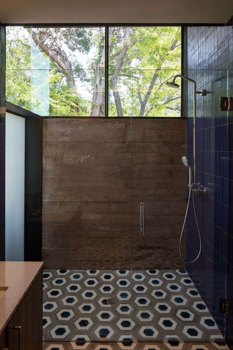 Bath Room, Open Shower, Ceramic Tile Floor, Ceramic Tile Wall, and Concrete Wall  Tetra House by Bercy Chen Studio