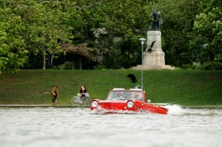 The Amphicar 770 Is A Car No One Understands, Everyone Loves - Photo 4 of 11 -