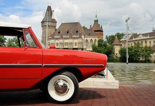The Amphicar 770 Is A Car No One Understands, Everyone Loves - Photo 11 of 11 -