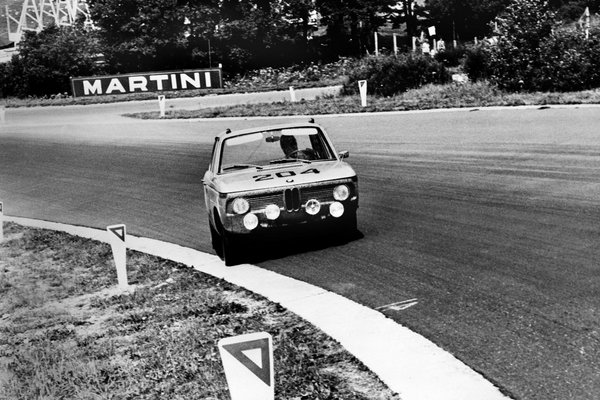 Photo 5 of 9 in In A Single Lap, The Neue Klasse Launched BMW's Racing Success