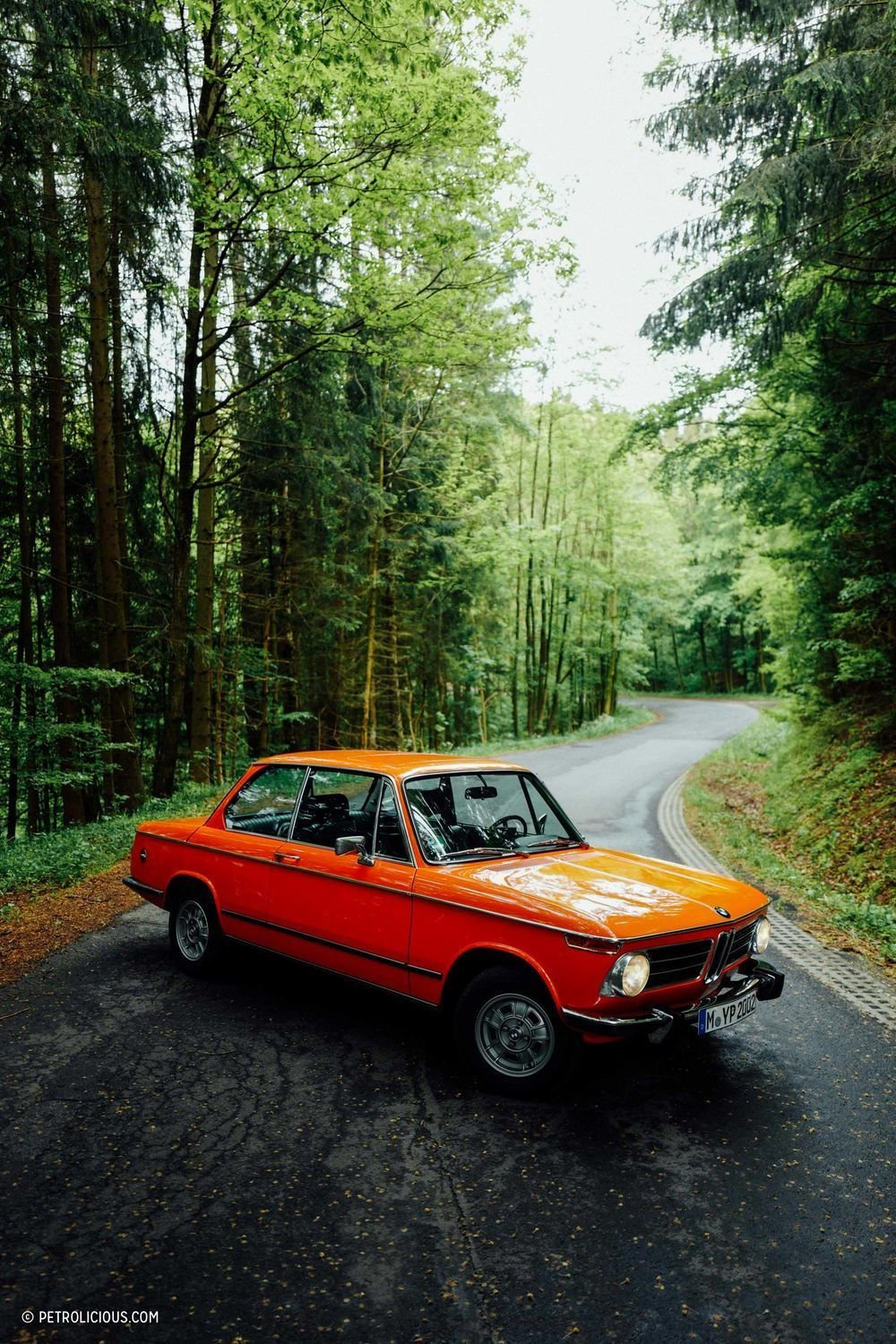Photo 4 of 8 in This Is What It's Like To Drive The BMW 2002 Tii