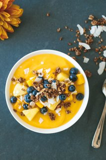 10 Beautiful Smoothie Bowls