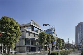 Folding Roof House by Ashida Architect & Associates - Photo 2 of 2 -