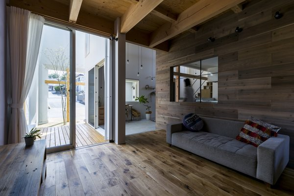 Uji House by ALTS Design Office - Photo 1 of 3 -