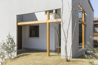 Uji House by ALTS Design Office - Photo 3 of 3 -