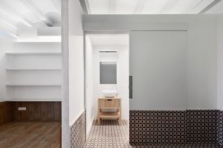 Tamarit Apartment by RAS arquitectura - Photo 1 of 4 -