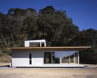 House in Yasunami by TENK