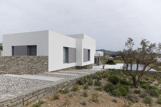 Paros House by John Pawson - Photo 1 of 4 -