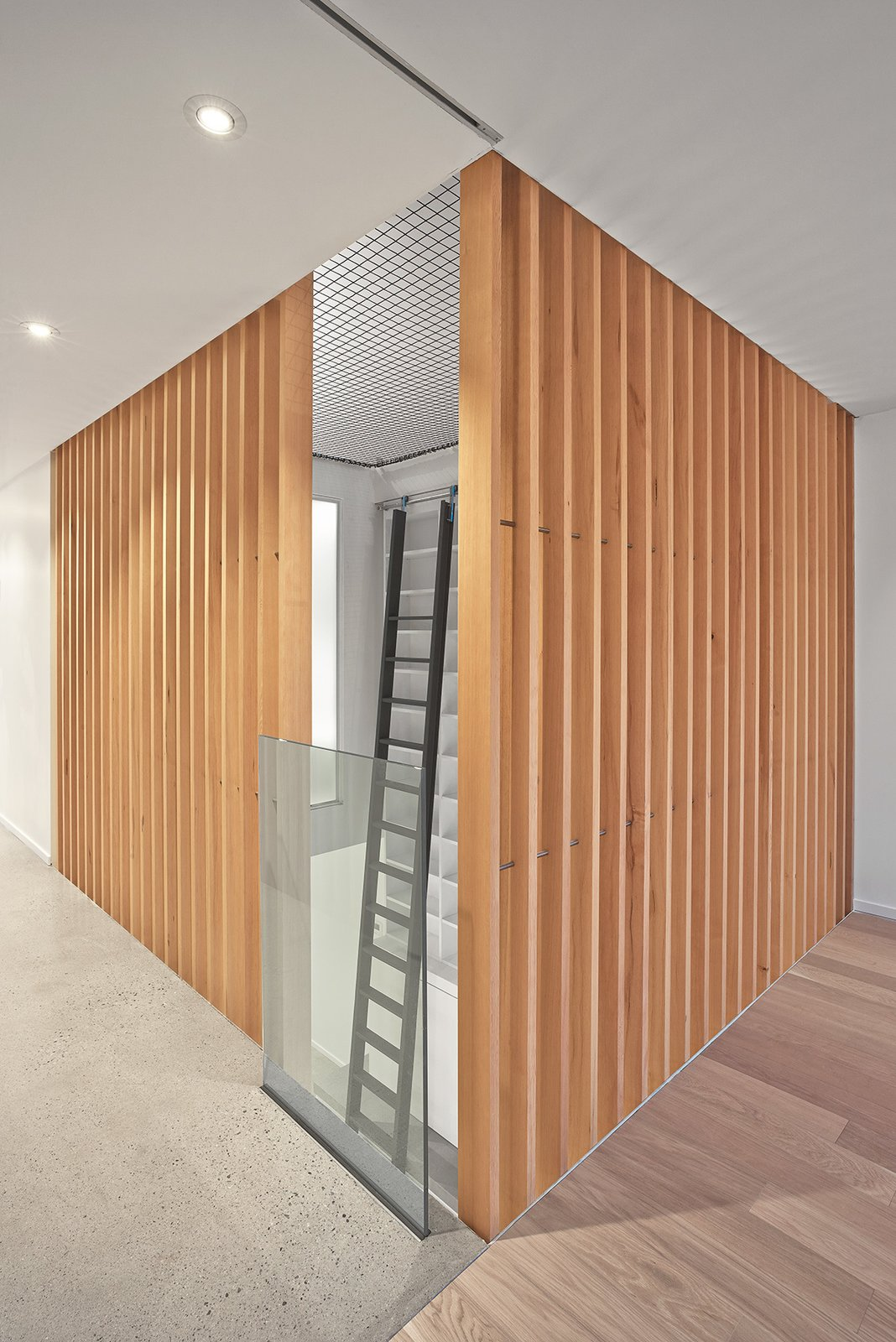 Photo 4 of 5 in Atrium House by RobitailleCurtis