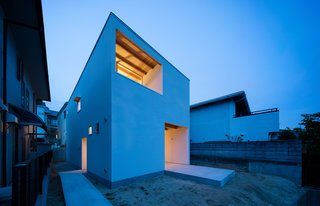 House in Mikage by SIDES CORE