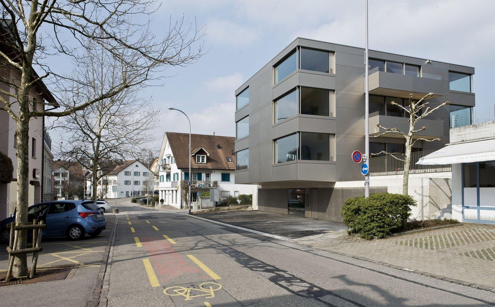 Photo 2 of 5 in Mehrfamilienhaus in Männedorf by Hurst Song Architekten