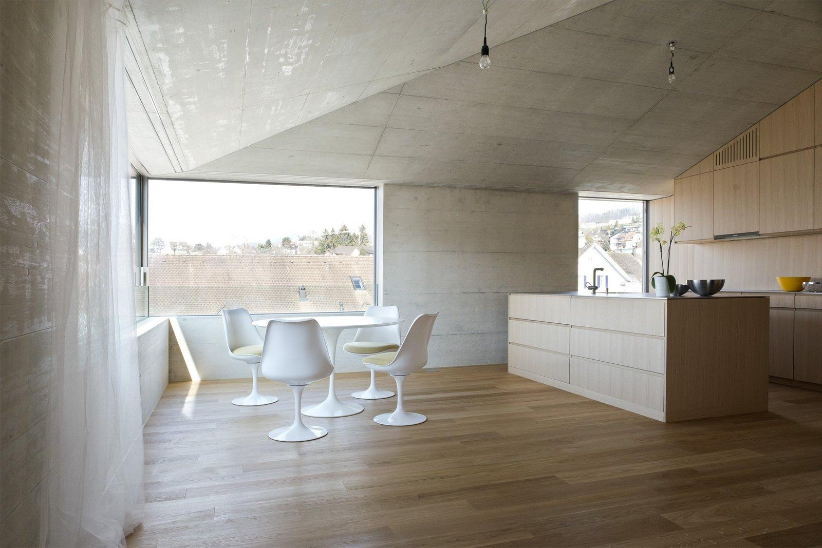 Photo 3 of 5 in Mehrfamilienhaus in Männedorf by Hurst Song Architekten