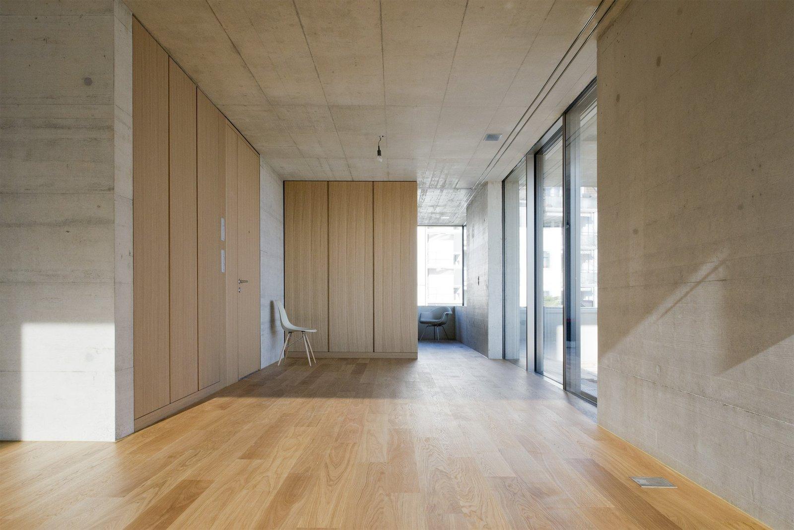 Photo 4 of 5 in Mehrfamilienhaus in Männedorf by Hurst Song Architekten