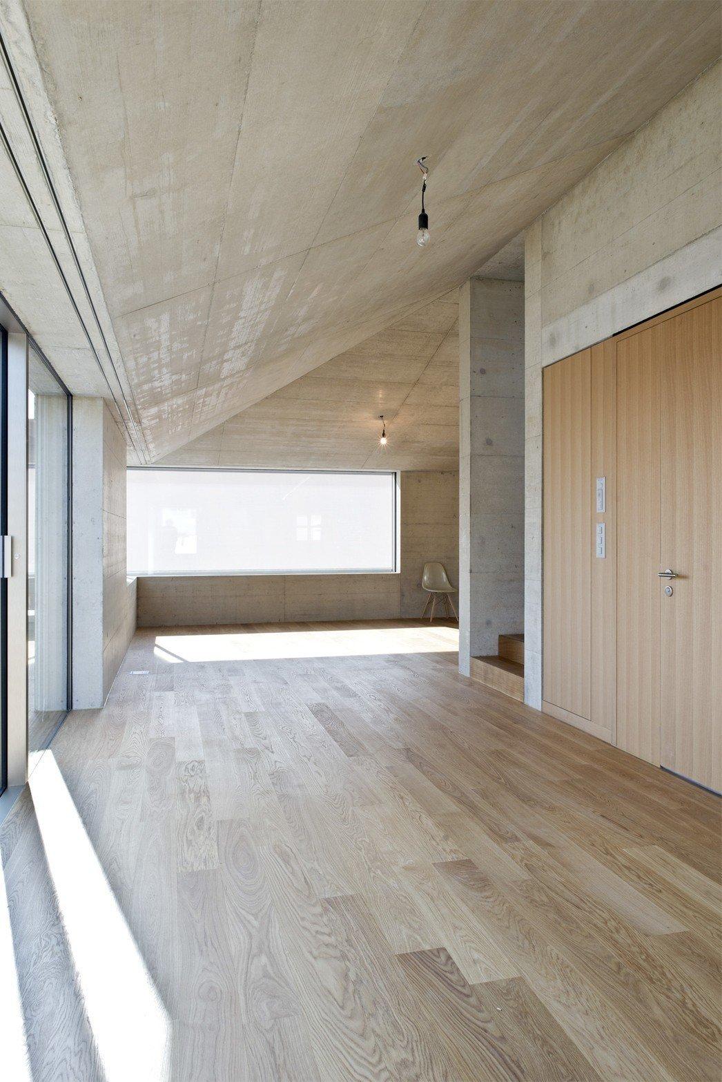 Photo 5 of 5 in Mehrfamilienhaus in Männedorf by Hurst Song Architekten