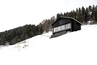 Haus in Morissen by Hurst Song
