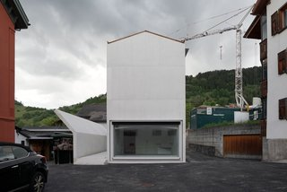House in Laax by Valerio Olgiati - Photo 2 of 5 -