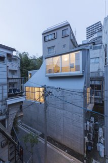 House in Tokyo by Ako Nagao + miCo - Photo 2 of 6 -