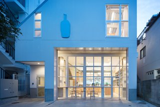 Blue Bottle Coffee Nakameguro Cafe by Schemata Architects