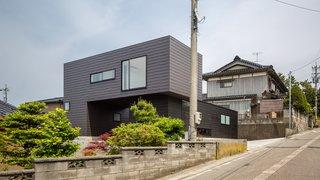 Residence in Sotohisumi by Nakasai Architects