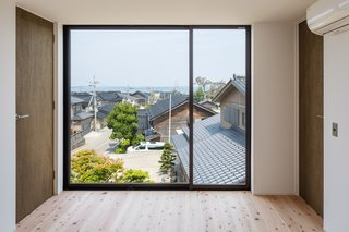 Residence in Sotohisumi by Nakasai Architects - Photo 4 of 6 -