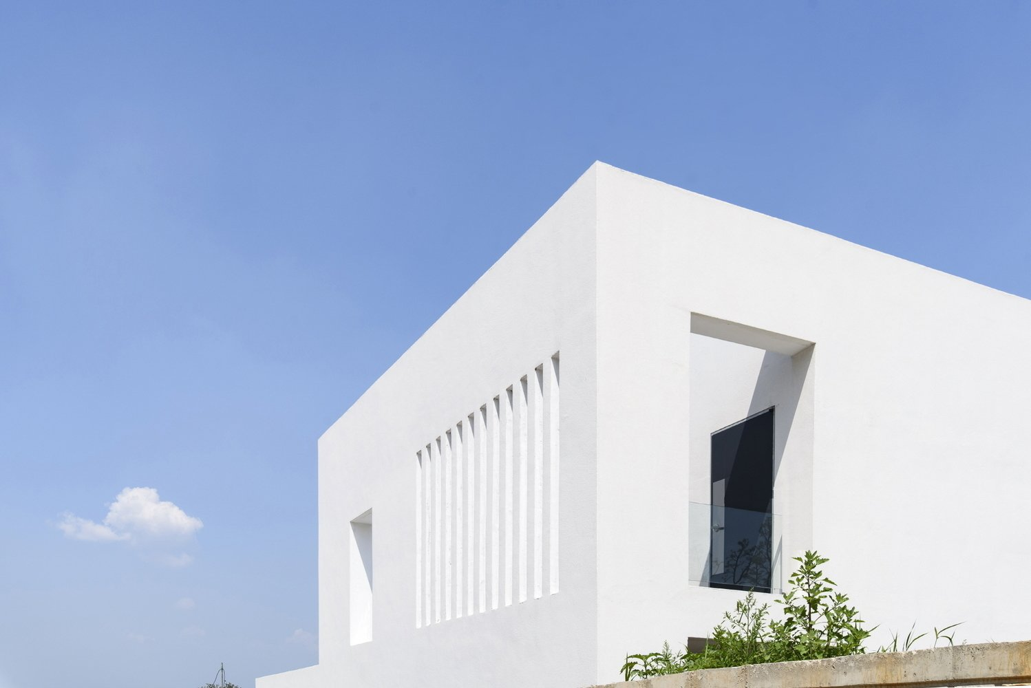 Photo 3 of 6 in Lighthouse Residence by LEESLIST & Leejae Architects
