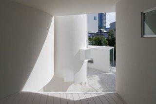 ANGLE by Hiroyuki Arima + Urban Fourth - Photo 2 of 4 -