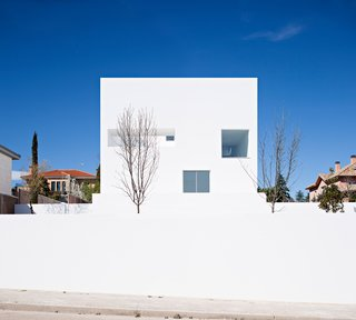 Raumplan House by Alberto Campo Baeza - Photo 1 of 5 -