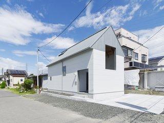 House in Suwamachi by Kazuya Saito Architects