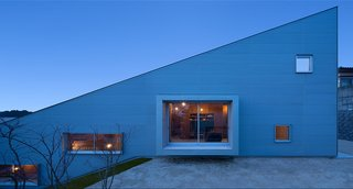 5-in-1 Room Dwelling by Matsuyama Architects and Associates - Photo 1 of 4 -