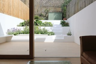 Extension to a Private House by Tamir Addidi Architecture - Photo 2 of 5 -
