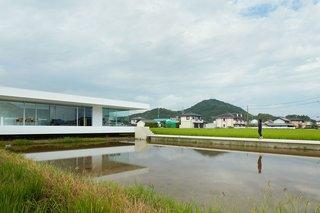 F Residence by Shinichi Ogawa & Associates - Photo 3 of 11 -