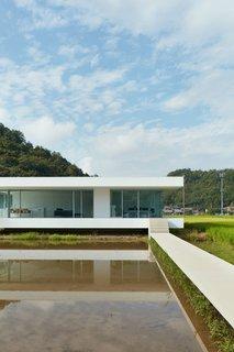F Residence by Shinichi Ogawa & Associates - Photo 4 of 11 -