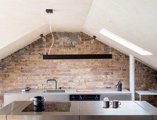 Clay House by Simon Astridge - Photo 2 of 10 -