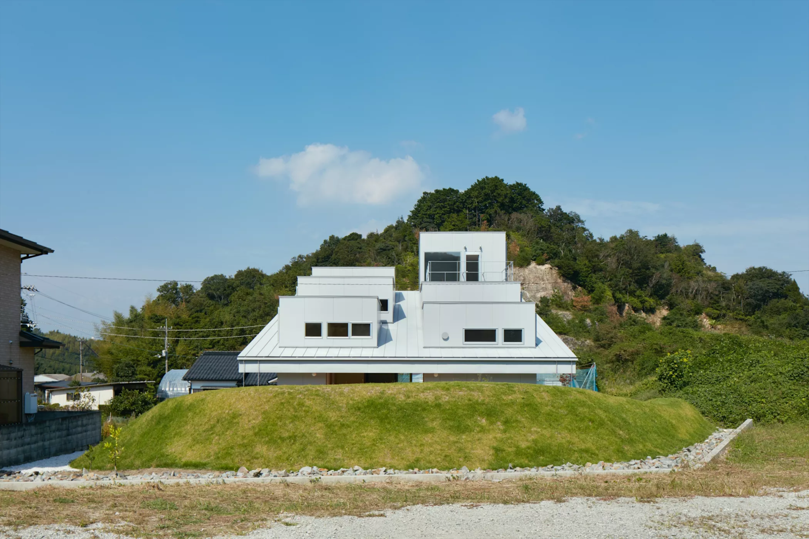 Photo 1 of 6 in House in Tokushima by Fujiwara-Muro Architects