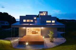 House in Tokushima by Fujiwara-Muro Architects - Photo 1 of 5 -