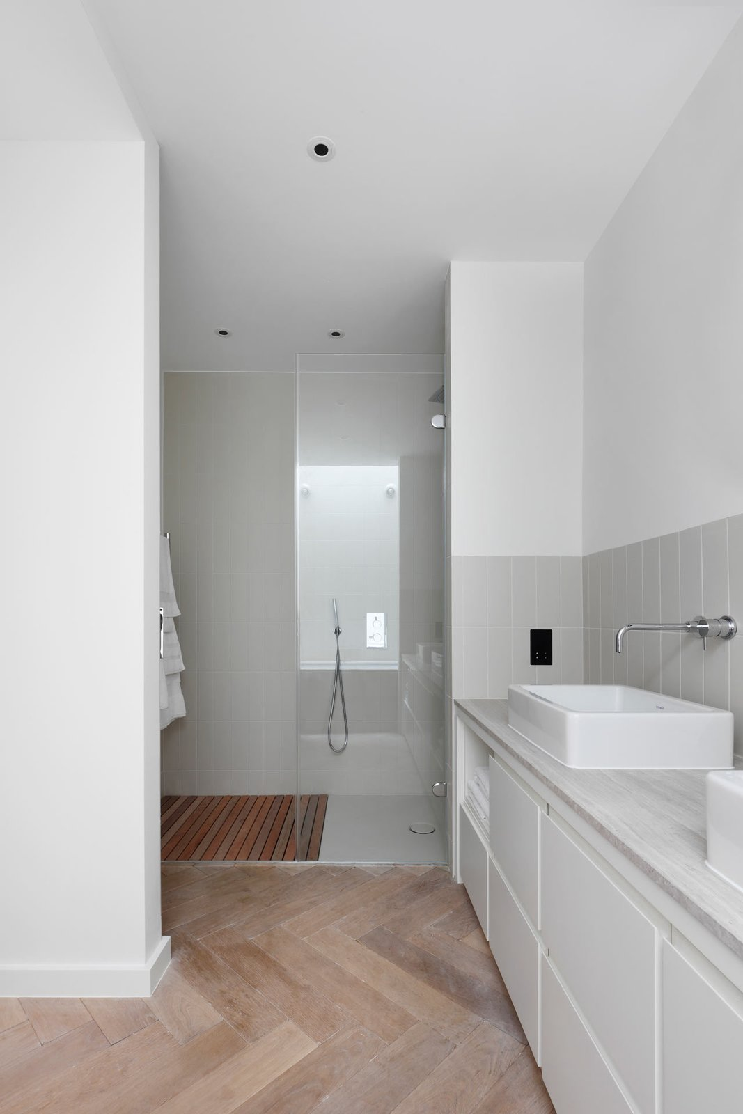 Bath Room, Recessed Lighting, Full Shower, Open Shower, Vessel Sink, and Light Hardwood Floor  Best Photos from The Courtyard House