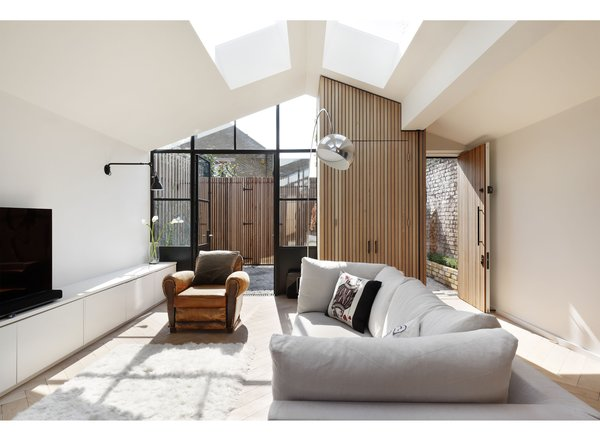 A London Shed Becomes an Airy Home Lit By Three Courtyards