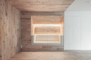 Shibuya Apartment 201 by Hiroyuki Ogawa Architects - Photo 6 of 7 -