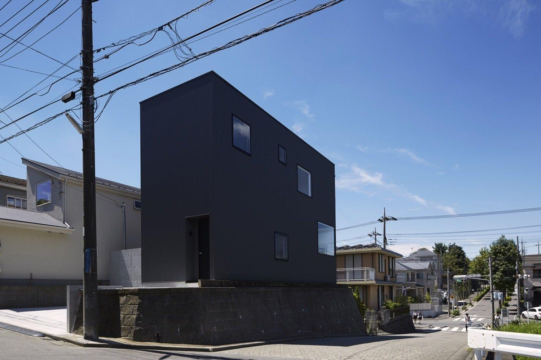 Black Box House Modern Home In Kanagawa Prefecture Japan
