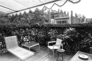 The Leisure Collection shot at Beacon Hill Terrace, c. 1967. Image from the Knoll Archive.