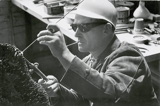 Bertoia working with an acetylene torch, 1952.