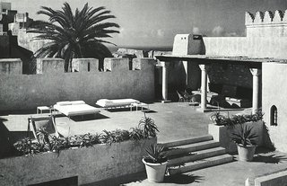 The terraces of York Castle offered ample room for sunbathing and dining en plein soleil.