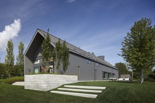 This Modern Farmhouse Outside Toronto Makes Its Own Rules