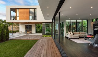 An Indoor/Outdoor Home in Minneapolis Defies a Harsh Climate