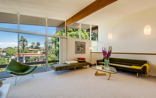 A Midcentury Home For Sale in L.A. That Was Originally Designed For a WWII Pilot - Photo 5 of 16 -