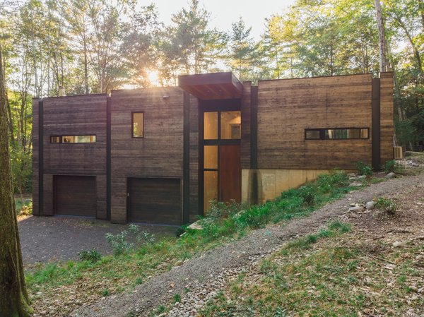 A Couple's Scenic Getaway Built For Creating and Tinkering  in New York's Hudson Valley
