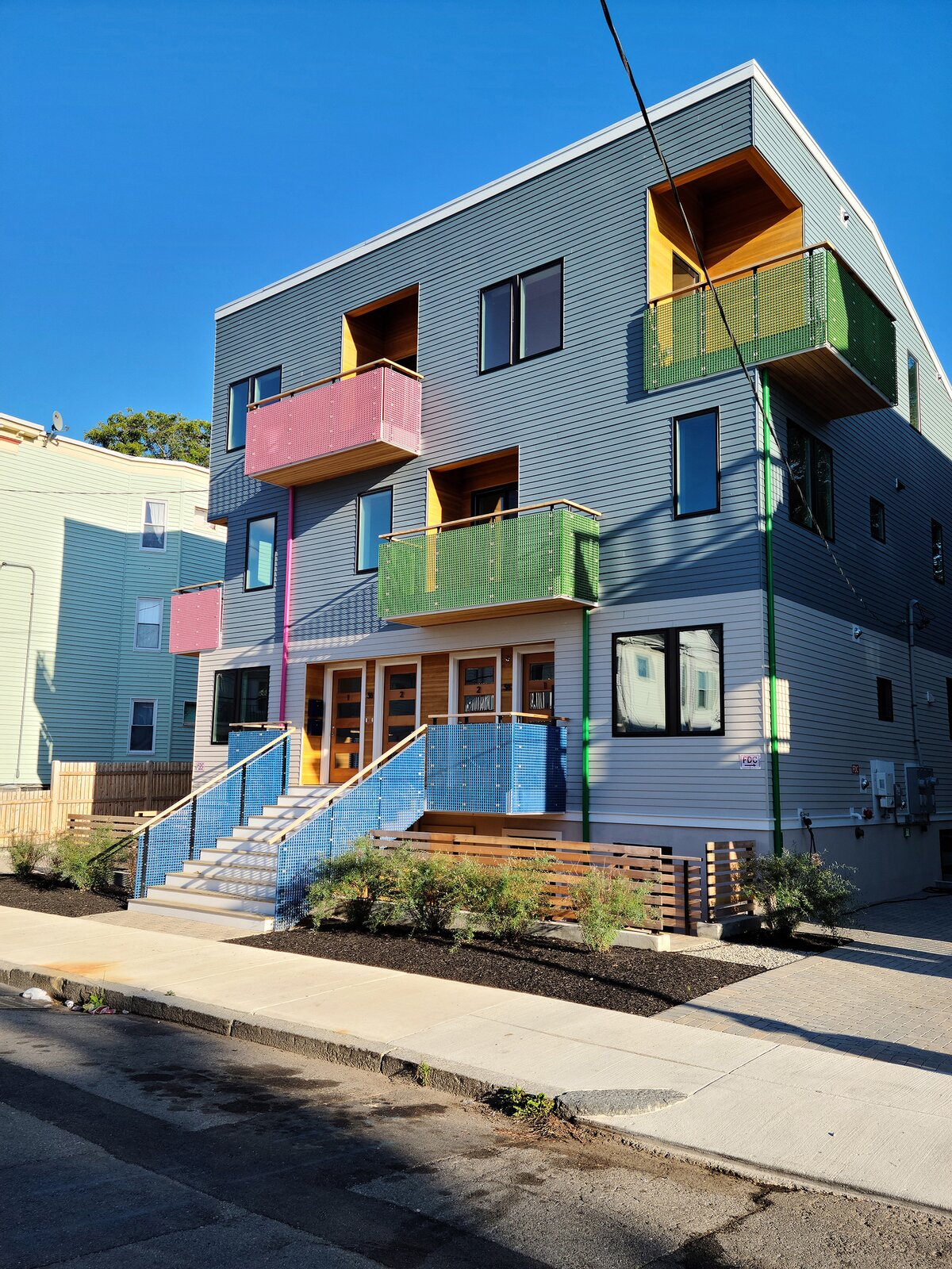 Photo 2 of 11 in 36-38 Colonial Avenue by Scott Payette Architects