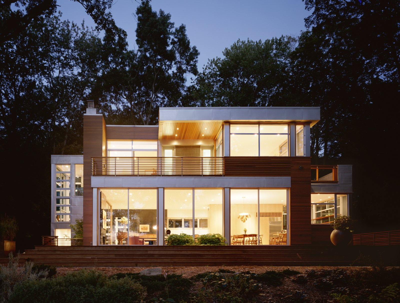 Lakeside House Modern Home In Lake Carmel New York By
