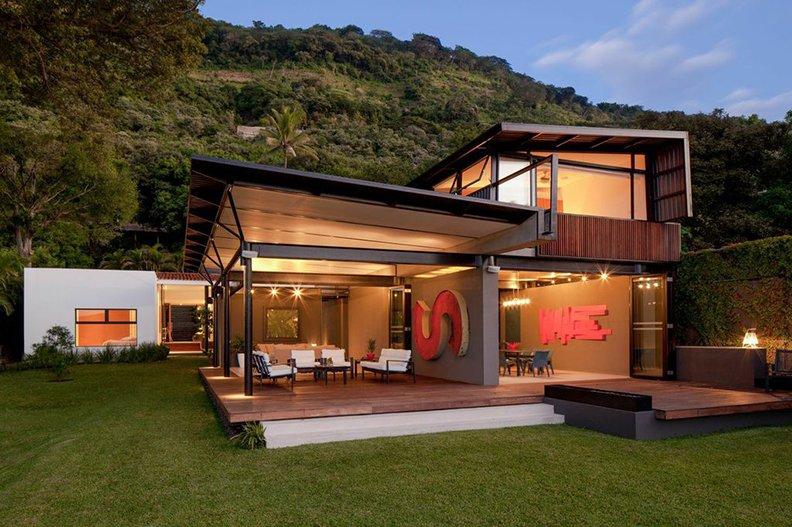 PLK Lake House by Cincopatasalgato